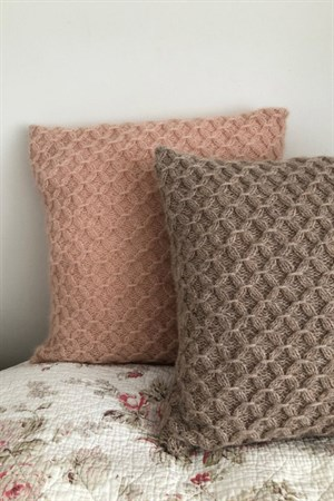 141 CUSHIONS WITH SMOCK PDF