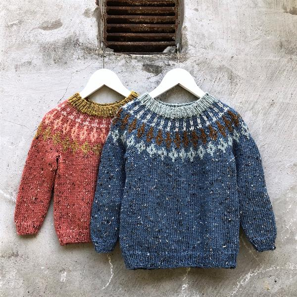 P061 TWEEDIE SWEATER